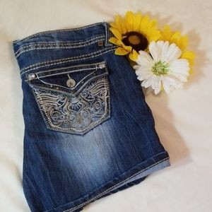 Almost Famous Blingy Jean shorts size 11